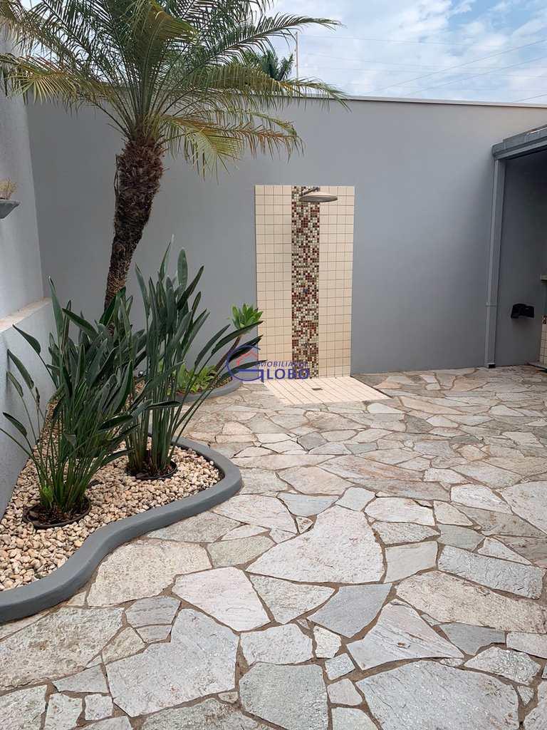 Casa em Jales, no bairro Jardim Doutor Euplhy Jalles