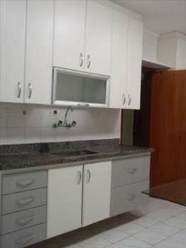 Apartamento, código 54704200 em São Vicente, bairro Itararé