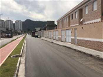 Sobrado, código 54685300 em São Vicente, bairro Jardim Paraíso