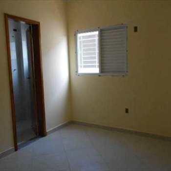 Apartamento em São Vicente, bairro Vila Valença