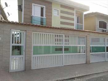 Sobrado, código 54534200 em São Vicente, bairro Parque Bitaru