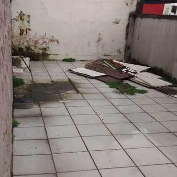 Sobrado Comercial em São Vicente, bairro Centro