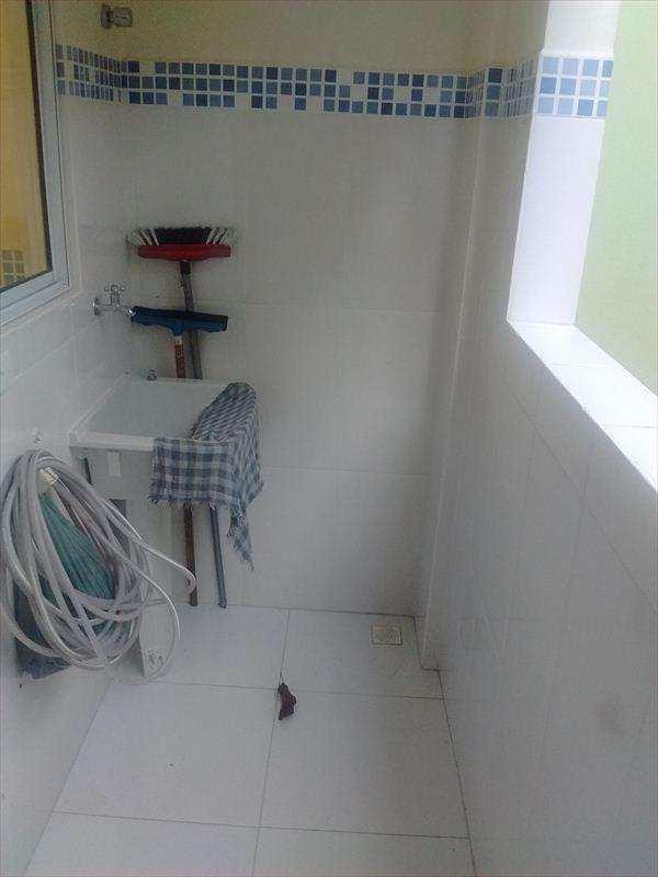Sobrado de Condomínio em São Vicente, no bairro Vila Mateo Bei