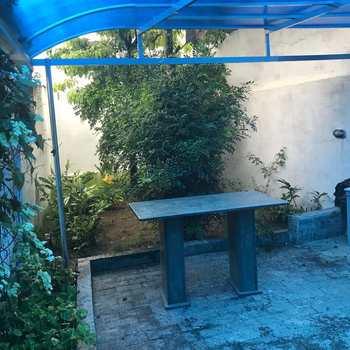 Sobrado em São Vicente, bairro Parque Bitaru