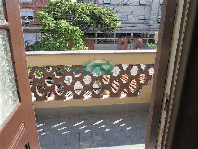 Sobrado em Santos, no bairro Boqueirão