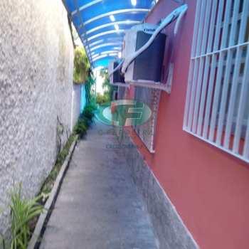 Casa em São Vicente, bairro Parque Bitaru