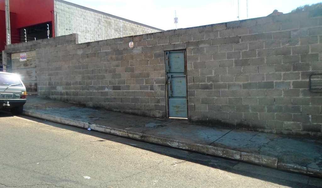 Casa em Agudos, bairro Centro