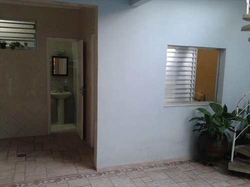 Sobrado, código 100107200 em São Vicente, bairro Jardim Independência