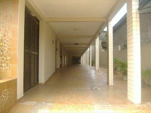 Apartamento, código 10079600 em São Vicente, bairro Jardim Rio Branco