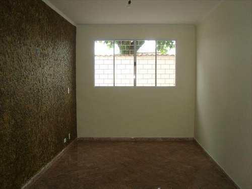 Sobrado, código 10072900 em São Vicente, bairro Vila Cascatinha
