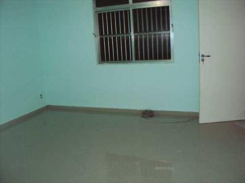 Apartamento, código 10059200 em São Vicente, bairro Jardim Independência