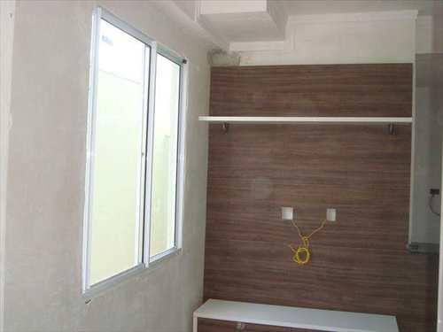 Apartamento, código 10050400 em São Vicente, bairro Vila Nossa Senhora de Fátima