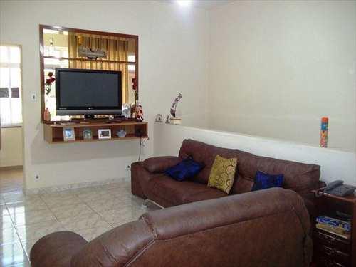 Casa, código 10026200 em Santos, bairro Marapé
