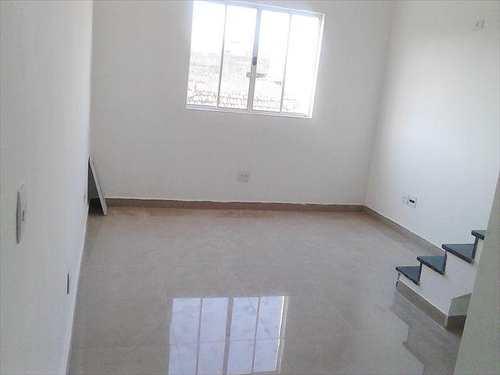 Casa, código 10016800 em São Vicente, bairro Vila Nossa Senhora de Fátima