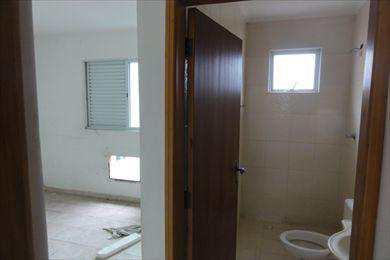 Sobrado, código 668900 em São Vicente, bairro Vila São Jorge