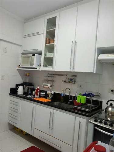 Apartamento, código 131100 em São Vicente, bairro Parque Bitaru