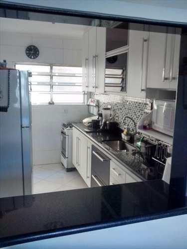 Apartamento, código 102000 em São Vicente, bairro Jardim Guassu