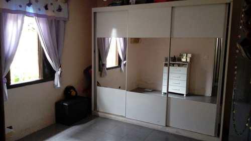 Casa, código 1001591476 em São Vicente, bairro Parque São Vicente