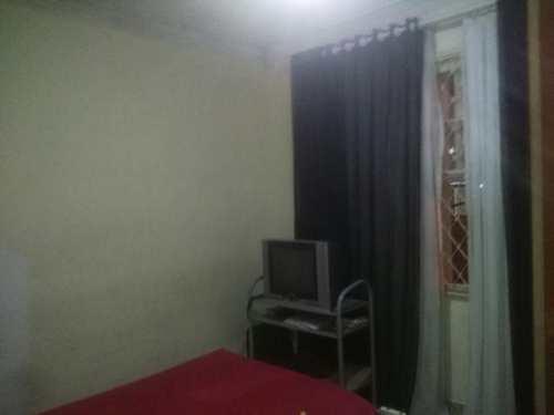 Casa, código 1001591683 em São Vicente, bairro Parque Bitaru