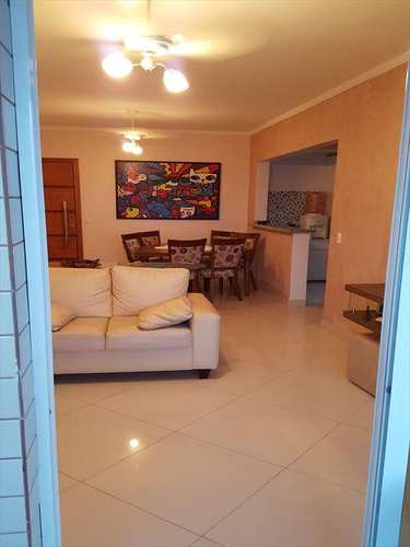 Apartamento, código 1107 em Praia Grande, bairro Tupi