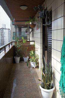 Apartamento, código 546100 em Praia Grande, bairro Tupi