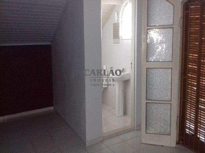 Sobrado em Mongaguá, no bairro Balneário Jussara