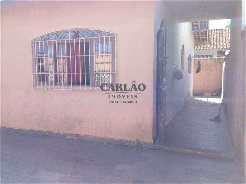 Casa em Mongaguá, bairro Vila Dinopolis
