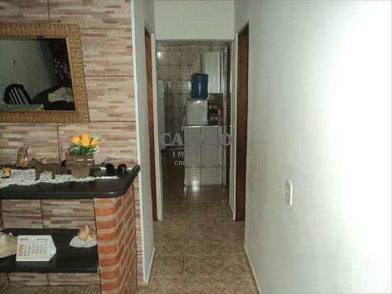 Casa em Mongaguá, no bairro Balneário Barigui