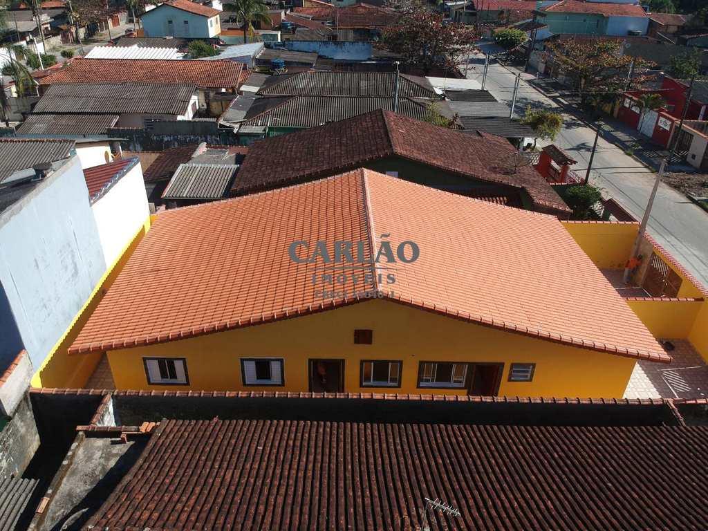 Casa em Mongaguá, no bairro Loty