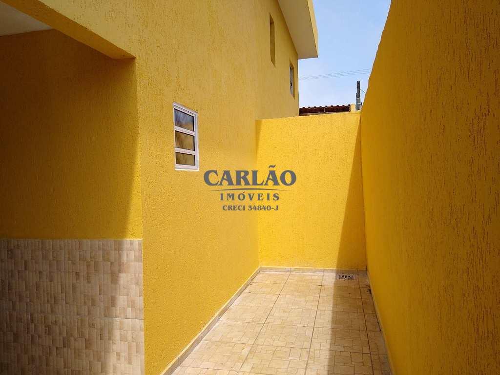 Sobrado de Condomínio em Mongaguá, no bairro Balneário Regina Maria