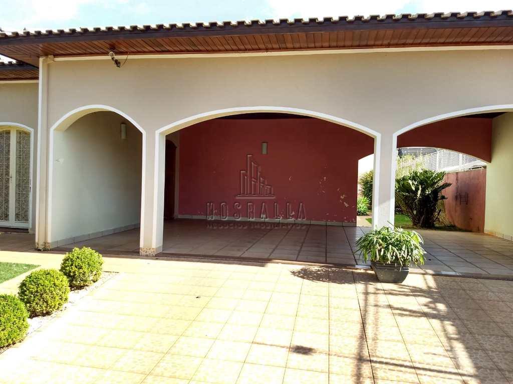 Casa em Jaboticabal, no bairro Nova Jaboticabal