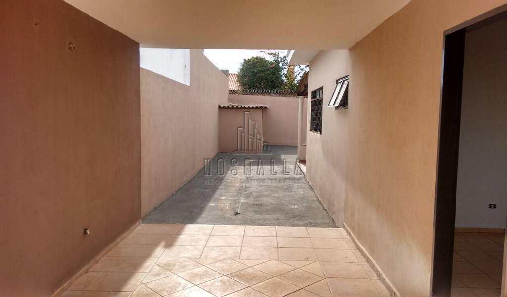 Casa em Jaboticabal, bairro Jardim Pery