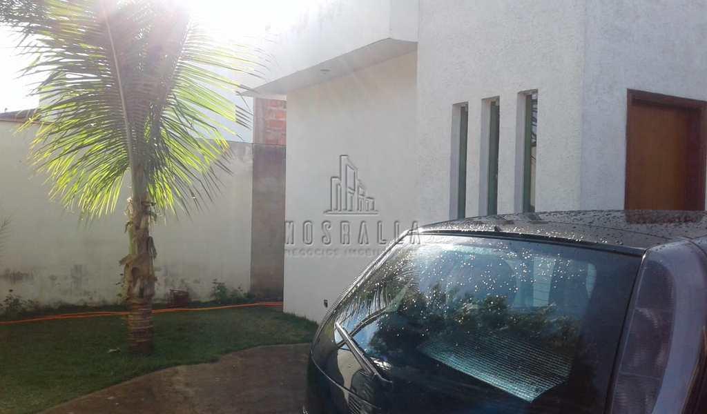 Casa em Jaboticabal, bairro Residencial dos Ipês