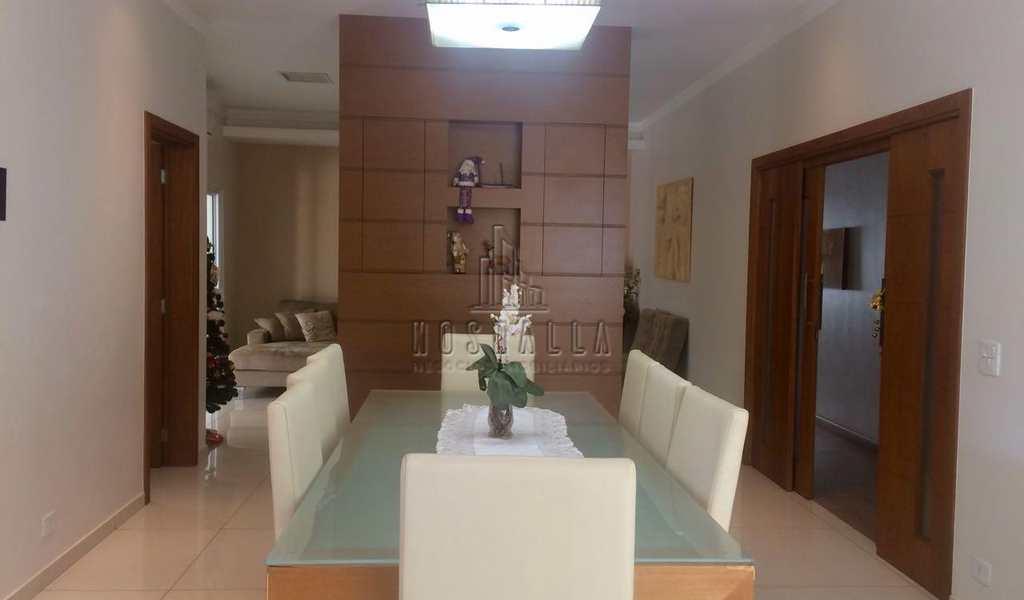 Casa de Condomínio em Jaboticabal, bairro Jardim São Marcos I