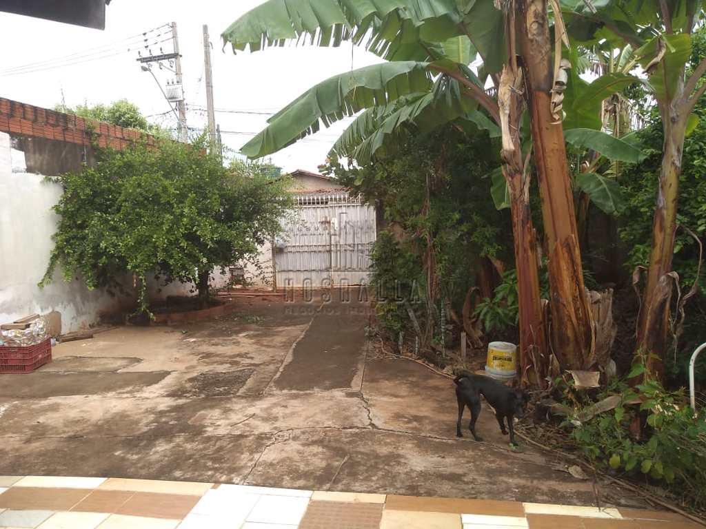 Casa em Jaboticabal, no bairro Jardim Mariana