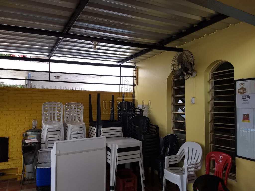 Casa Comercial em Jaboticabal, no bairro Centro