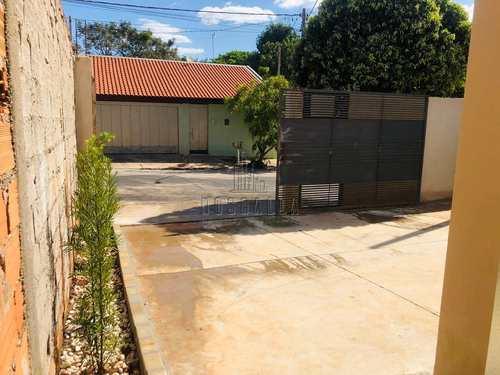 Casa, código 1723416 em Jaboticabal, bairro Parque das Araras
