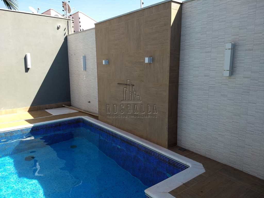 Casa em Jaboticabal, no bairro Jardim Monterrey