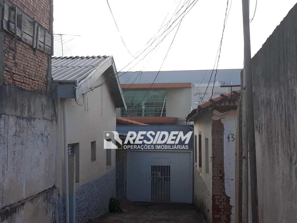 Casa em Bauru, bairro Chácara das Flores