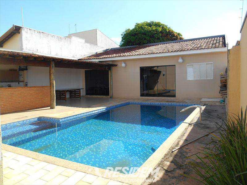 Casa em Bauru, no bairro Vila Pacífico II