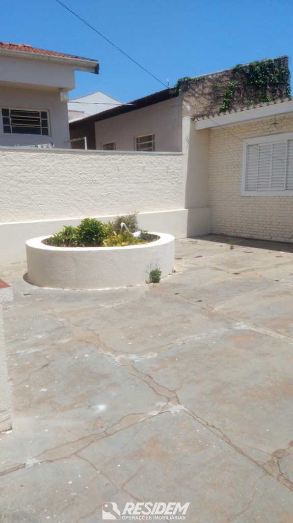 Casa em Bauru, no bairro Jardim Nasralla
