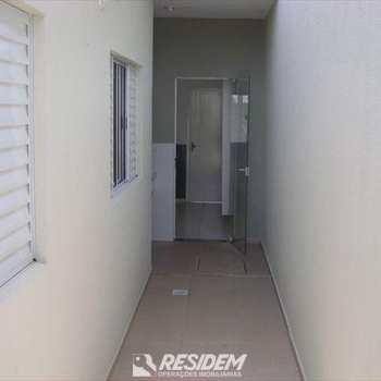 Casa de Condomínio em Bauru, bairro Parque Santa Edwiges