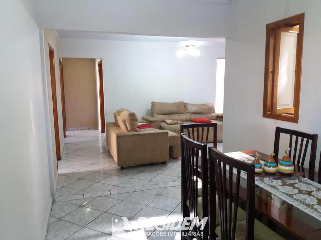 Casa em Bauru, no bairro Mary Dota