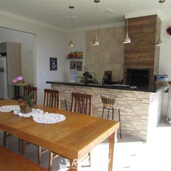 Casa em Piratininga, bairro Vale Florido I