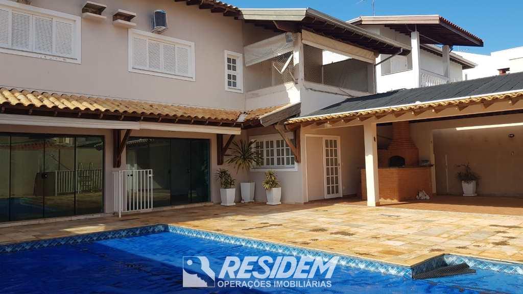 Casa em Bauru, no bairro Residencial Villaggio