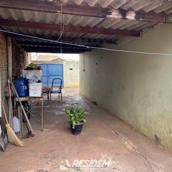 Casa em Bauru, bairro Núcleo Habitacional Mary Dota