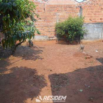 Casa em Bauru, bairro Conjunto Habitacional Engenheiro Otávio Rasi
