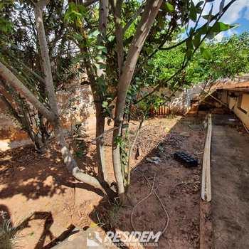 Casa em Bauru, bairro Vila Nova Santa Clara