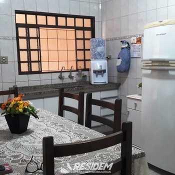 Casa em Bauru, bairro Vila Industrial