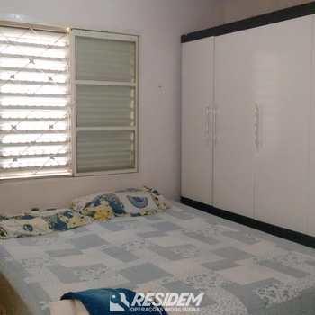 Casa em Bauru, bairro Conjunto Habitacional Joaquim Guilherme de Oliveira